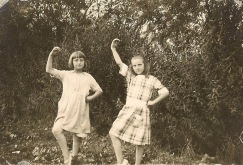 Doris, left, with Emily Morely, circa 1920