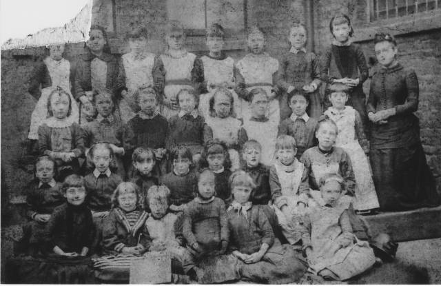 school photo from Audrey - looks like 1880s - perhaps Meg and MA's sister Elizabeth Jones
