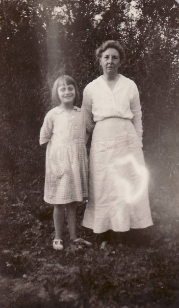 1922 Bebbie and Doris