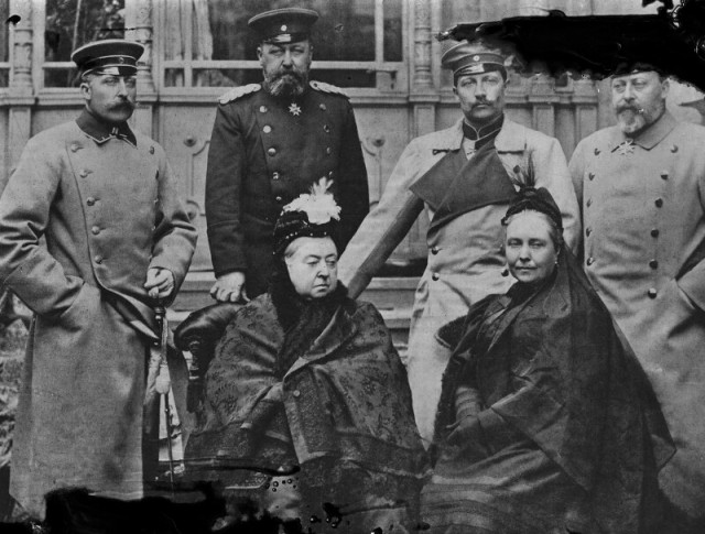 Royal-group-including-Queen-Victoria-and-Wilhelm-II-Emperor-of-Germany-and-King-of-Prussia