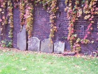 st george the martyr garden, marshalsea wall (2)