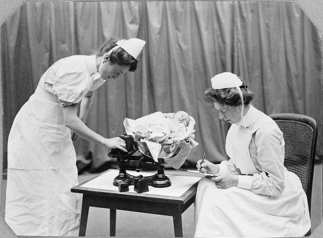 general lying-in nurses, wellcome 1908