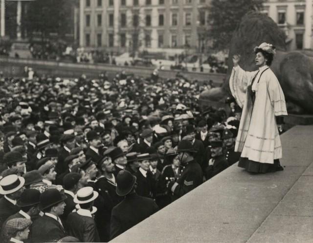 Emmeline-Pankhurst-addressing-a-crowd-in-Trafalgar-Square